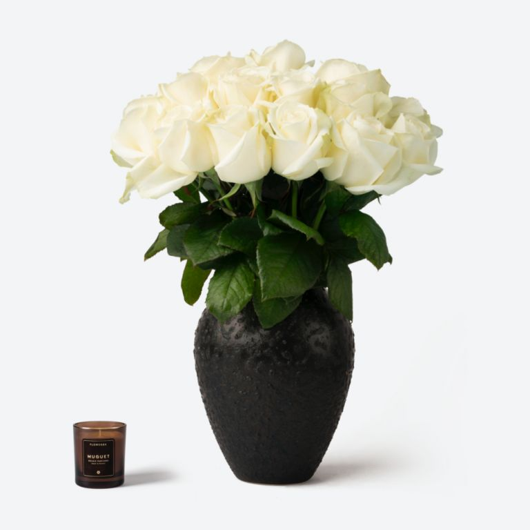 Medium Mayfair Rose Vase Set