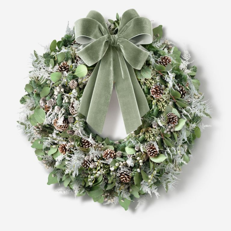 Frosted Pine Outdoor Wreath