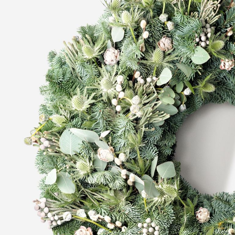 Winter White Outdoor Wreath